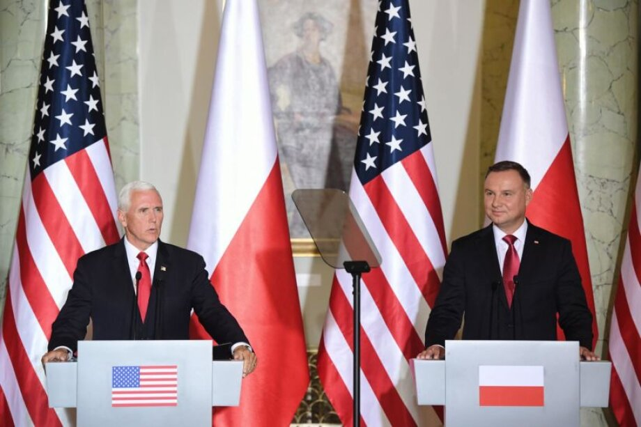 U.S. still strongly supports Ukraine's Crimea claim: Pence