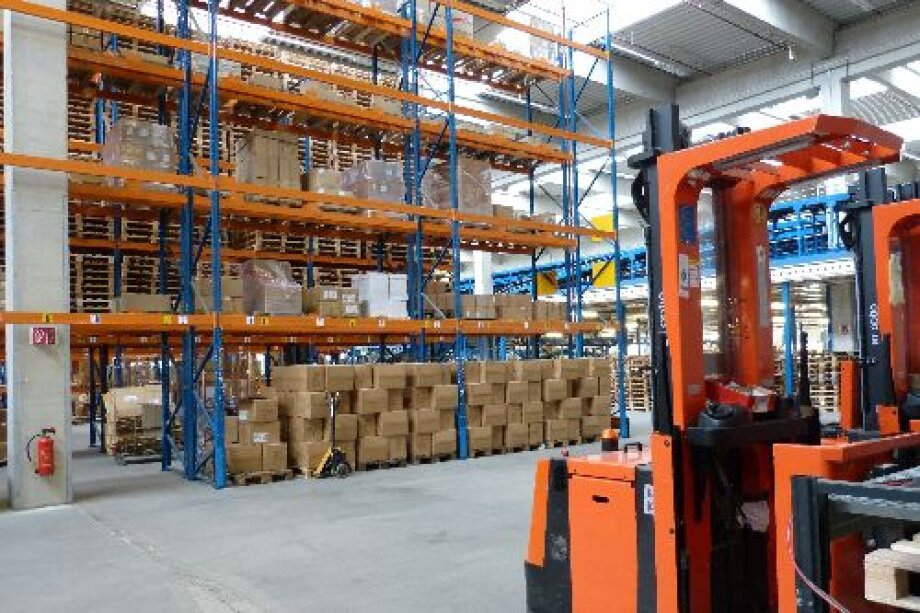 AEW lets logistics unit in Poland to major supermarket chain on behalf of LOGISTIS